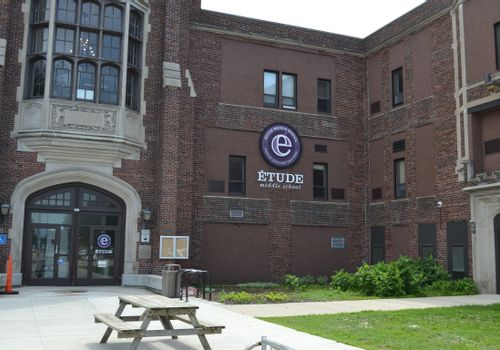 Étude Middle School